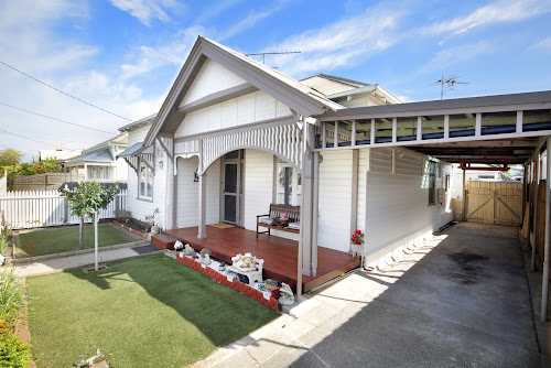 Photo of property at 19 Walker Street, Rippleside 3215
