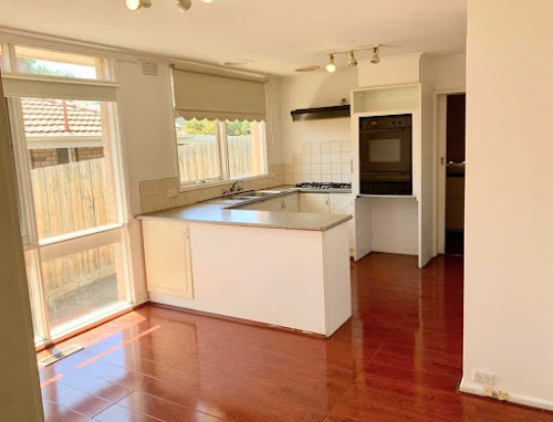 Photo of property at 42 Avalon Road, Rowville 3178