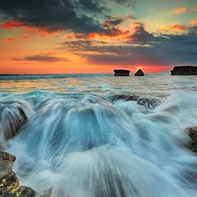 FLOW by Jasen Tan - Landscapes Waterscapes