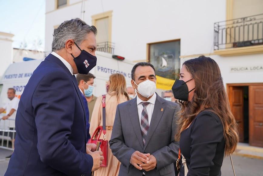 El vicepresidente de la Diputación de Almería junto al alcalde de La Mojonera y la concejala de Dalías.
