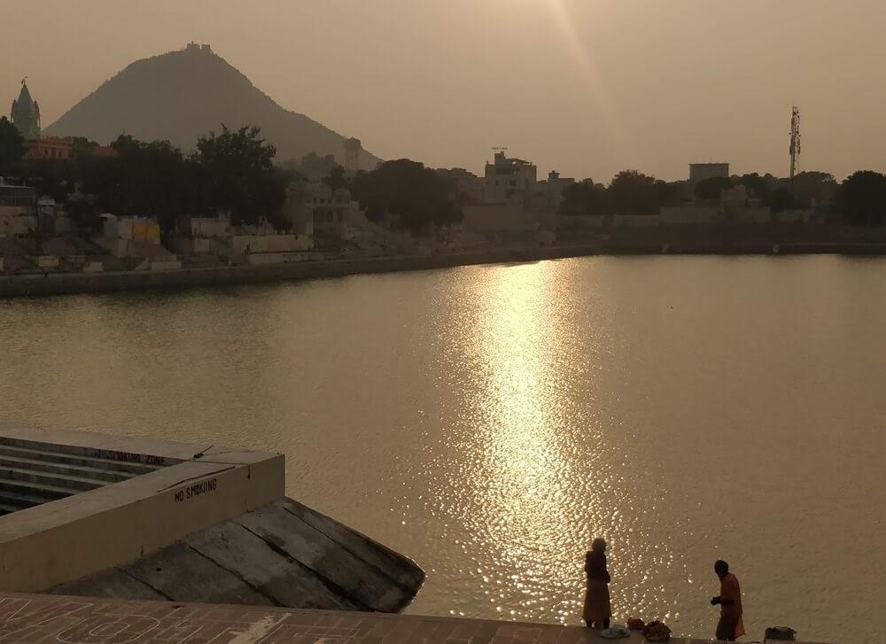 brahma+ghat+pushkar+lake+sadhus+rajasthan