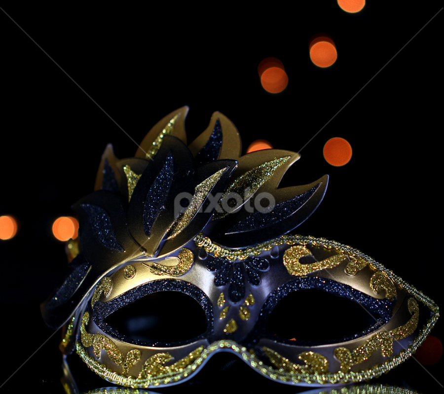 by Dipali S - Artistic Objects Other Objects ( face, artistic, mask, bokeh, halloween,  )