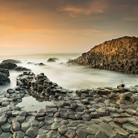 Before the sun goes down by Wojciech  Golebiewski - Landscapes Caves & Formations ( water, natural light, natural formations, beautiful, giant's causeway, travel, shapes, natural beauty, county antrim, sky, nature, sunset, fujifilm, northern ireland, long exposure, rocks, natural, golden hour )