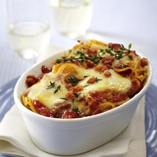 Spaghetti Bake with Bacon and Tomatoes