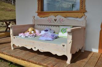 Photo: Ławka , łóżko z drewna olejowane, postarzane i ręcznie malowane