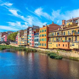 Girona by -. Phœnix .- - City,  Street & Park  Vistas ( girona )