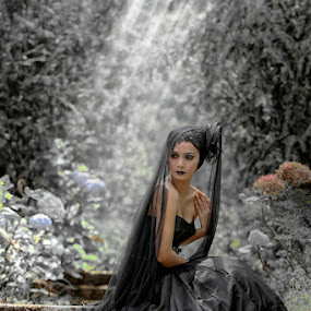 Black Swan ....... by Monica Anantyowati - People Portraits of Women