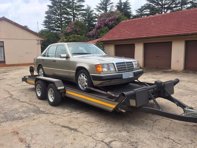 The author's 'new' Mercedes-Benz W124 230E.