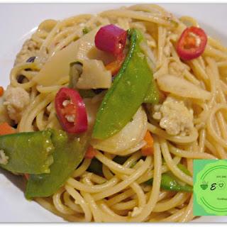 Quick Chinese Spaghetti Stir Fry – Vegan –