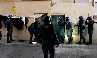 Guardia Civil realiza cuatro registros en un punto de droga de Vícar