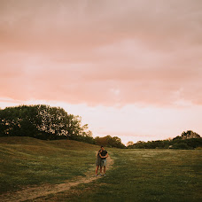 Wedding photographer Olesya Zarivnyak (asyawolf). Photo of 04.04.2018
