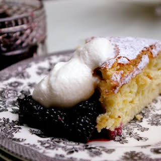 Angel Cake with Blackberries and White Currants.