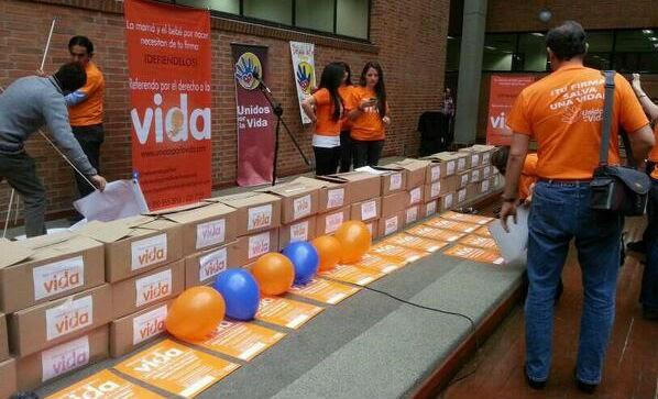 Líderes cristianos entregan 600.000 firmas en Chile a favor de la vida y contra el aborto