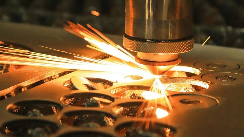 Przecinarka do metalu - poznaj nasze wskazówki