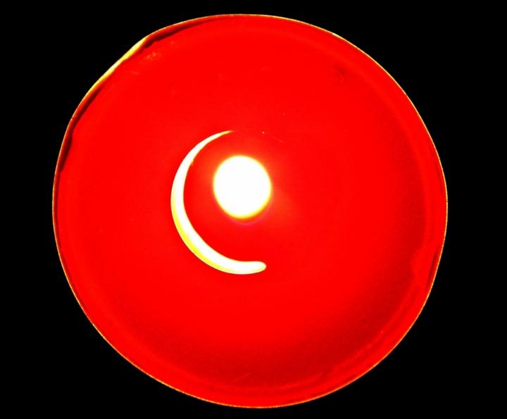 Impercettibile calore di una candela... di cions