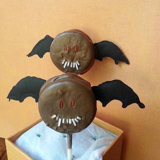 Bat Oreo Pops {Recipe}