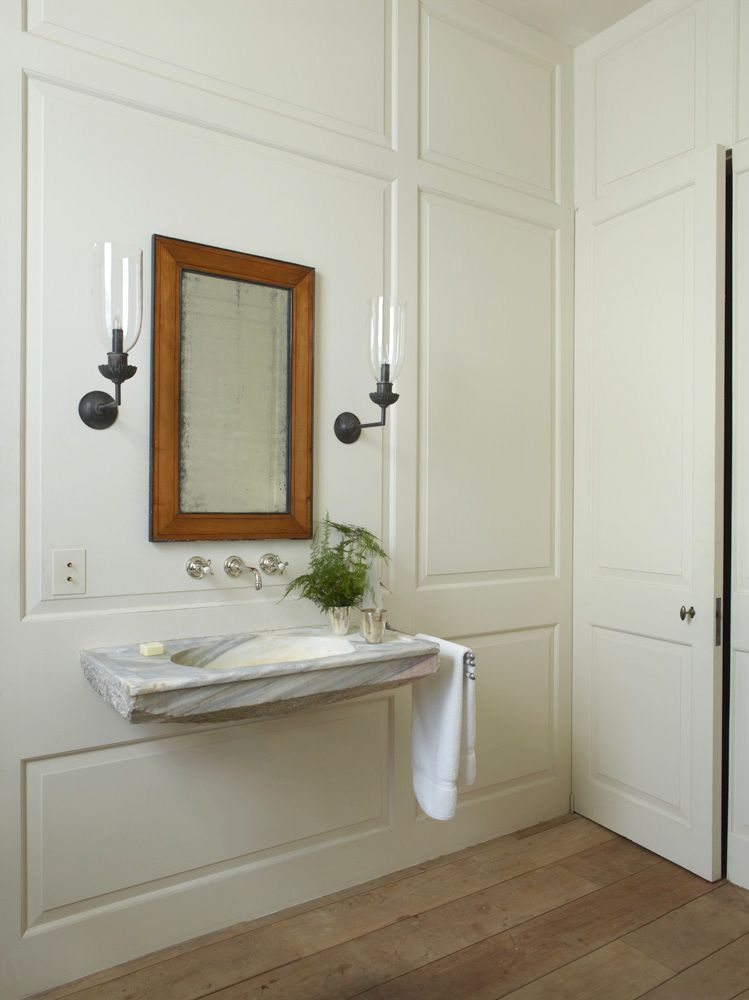 Rose Uniacke's Classic Designed Minimal Home. Luxuriously classic and minimal bathroom.