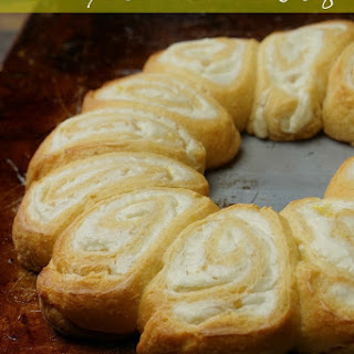 Creamy Lemon Crescent Ring
