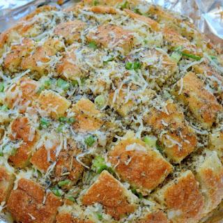 Pull Apart Cheesy Garlic Bread (Crack Bread).