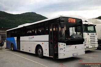 Photo: #025: UF 37971 hos Fjord1 i Stryn, 02.08.2009.