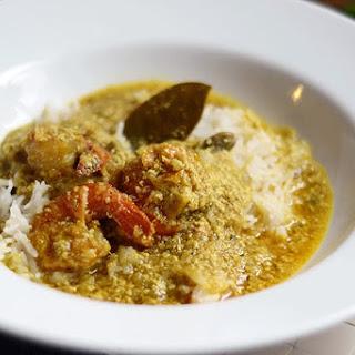 Shrimp Coconut Curry or Prawn Malai curry.