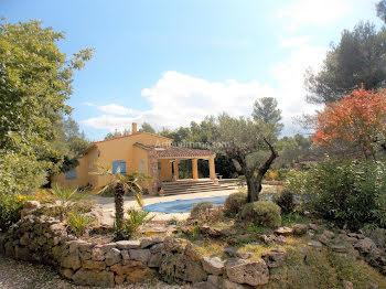 villa à Rougiers (83)