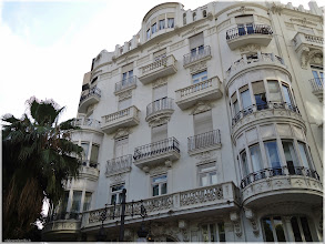 Photo: Edifico Gran Via Marques del Túria. Valencia.                  http://www.viajesenfamilia.it/
