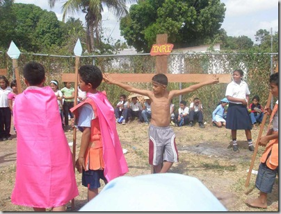 Crucifixión II