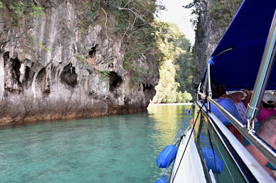 Phang Nga Bay Tour Including James Bond Island and Hong Island by Speed Boat from Krabi