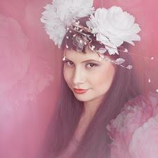 Wedding photographer Evgeniya Ushakova (confoto). Photo of 10.04.2015