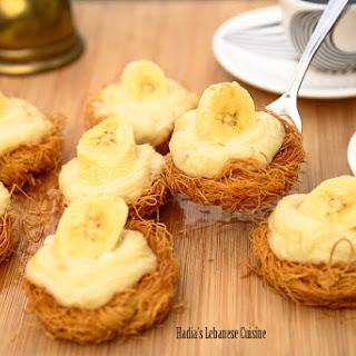 Bite-sized Osmalleyia Nests with Mascarpone and Bananas