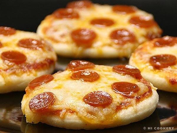 Mini Pepperoni Pizzas Recipe
