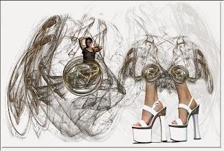 Photo: 2007 02 18 - R 03 12 01 338 - D 082 - Juchnelda und die hohen Schuhe