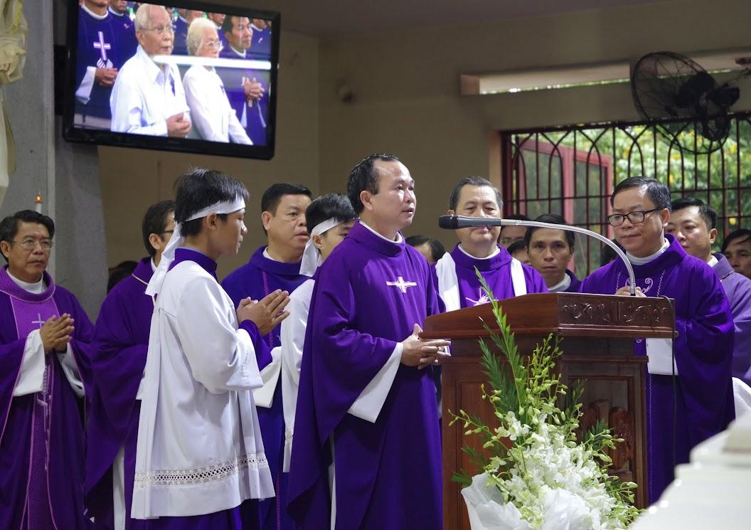 Thánh lễ an táng Cha Giuse Trần Ngọc Tâm - Chánh xứ Xuân Đức - Ảnh minh hoạ 19