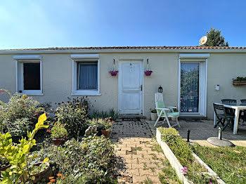 villa à Saint-Trivier-sur-Moignans (01)