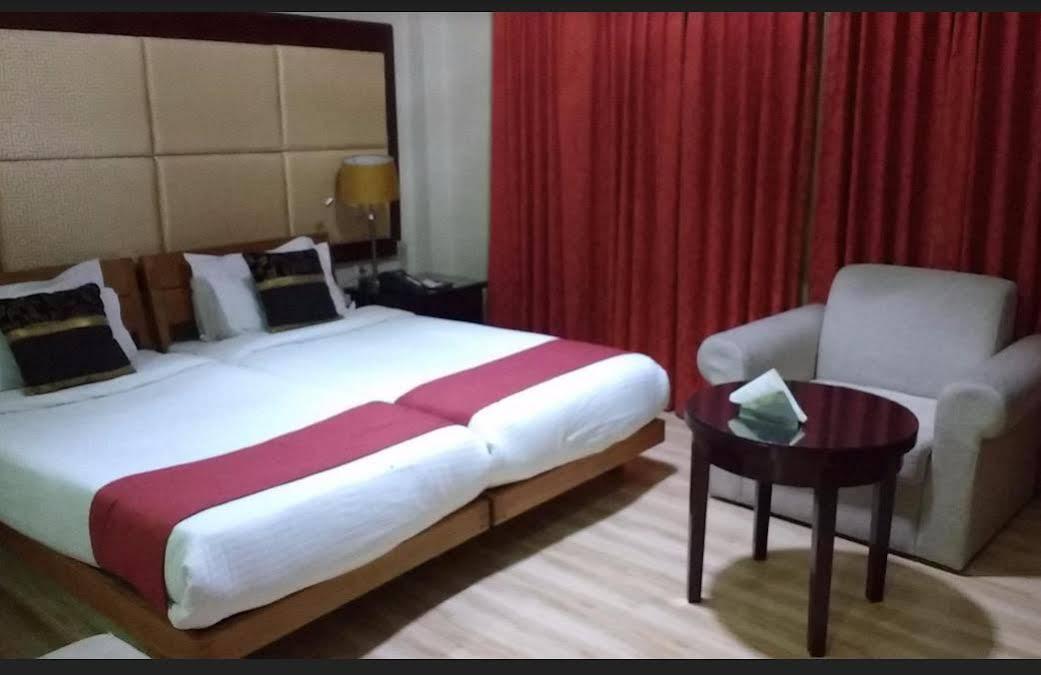 Hotel Spic N Span