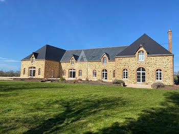 propriété à Montenay (53)