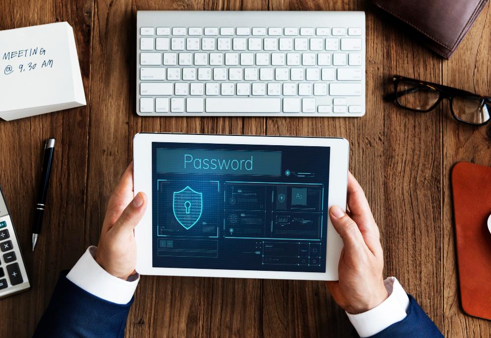 A LGPD foi inspirada na legislação europeia e visa traçar diretrizes para o tratamento, armazenamento e segurança de dados pessoais no Brasil. (Foto: FreePik)