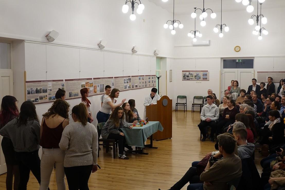 Költészet Napja 2019 - Varga Diákszínpad