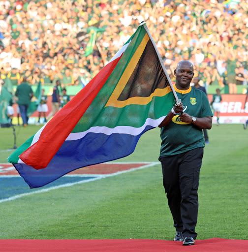 Pitso Mosimane: SA needs an iconic picture of Siya Kolisi lifting RWC
