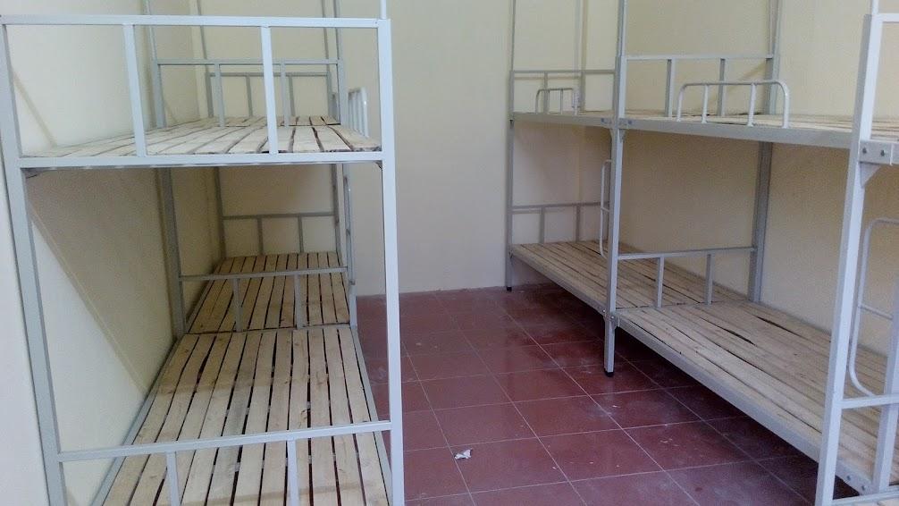giường tầng trong ký túc xá