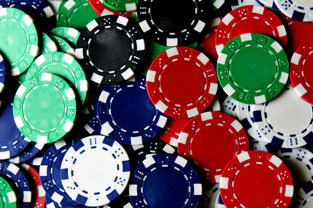 10 Tricks To Help You Win Your Online Poker Game 2