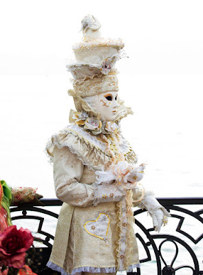 Carnevale in Piazza San Marco - Venice di Alessandro Bonesso
