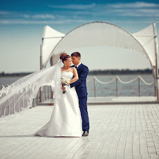 Wedding photographer Vitaliy Kuzmin (vitaliano). Photo of 19.11.2014