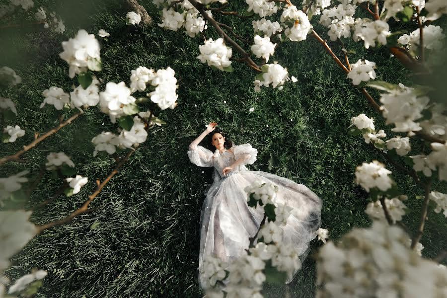 Wedding photographer Рафаэль Миннебаев (Raffael). Photo of 06.05.2021