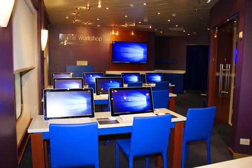 prinsendam-Digital-Workshop.jpg - Enhance your computer skills with a digital workshop on ms Prinsendam.