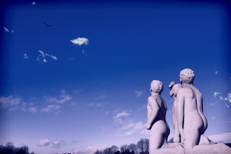 Photo: We want to fly.... At Vigeland Sculpture Park in Oslo, Norway  「飛びたいな」 ノルウェー、首都オスロ 彫刻がたくさんあるヴィーゲラン公園