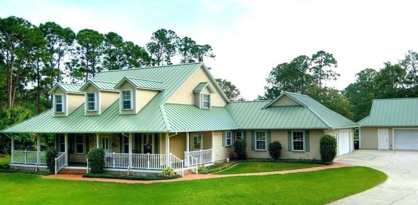 Thiết kế nhà mái tôn xanh ngọc theo kiểu châu Âu