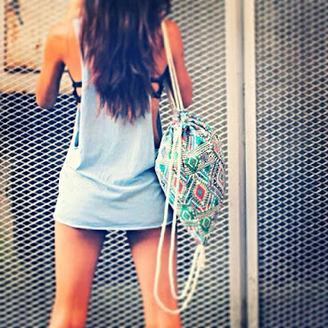 Being myself! @baggylovehk #boho #backpack #bohemian #fashionblogger #fashion #gypsy #pattern #peace #love #freespirit #mochila #bag #casual #confidence #style #selfie #etsy #summer #nautical #beach #totes #boho #model