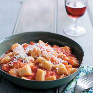 Gnocchi with Fresh Tomato and Basil Sauce Recipe